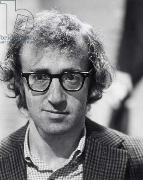 Annees 1970. Woody Allen (born as Allen Stewart Konigsberg on 1 Dec 1935 ) is a three-time Academy Award-winning American film director, writer, actor, jazz musician, comedian, and playwright.