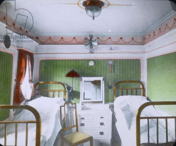 The maiden voyage of the Titanic - Sleeping cabin on board of the luxury liner Titanic. 10. April 1912. Carl Simon Archive