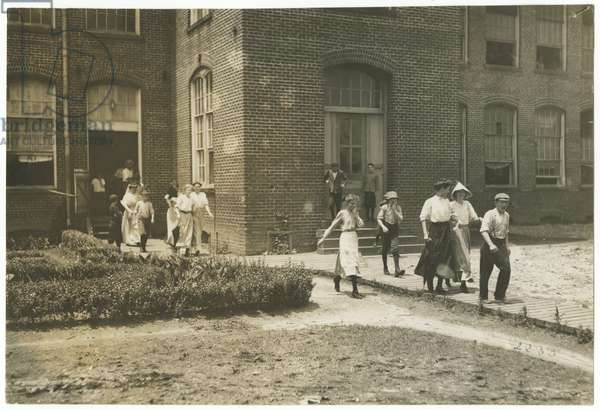 Tidewater Knitting Mills, Portsmouth, Virginia, 1911 (b/w photo)