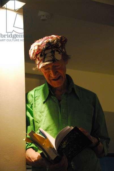 Michael Horovitz, private reading, Notting Hill, London, April 2011 (photo)
