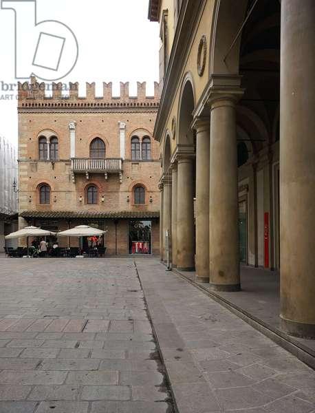 Hotel Posta and Piazza del Monte di Pietà, Reggio Emilia, Emilia-Romagna, Italy (photo)