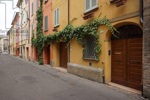 Houses in Via Bardi, Reggio Emilia, Emilia-Romagna, Italy (photo)