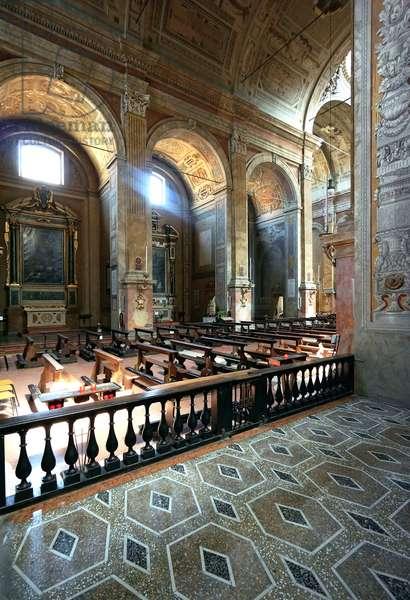 Interior of St. Peter, Reggio Emilia, Emilia-Romagna, Italy (photo)