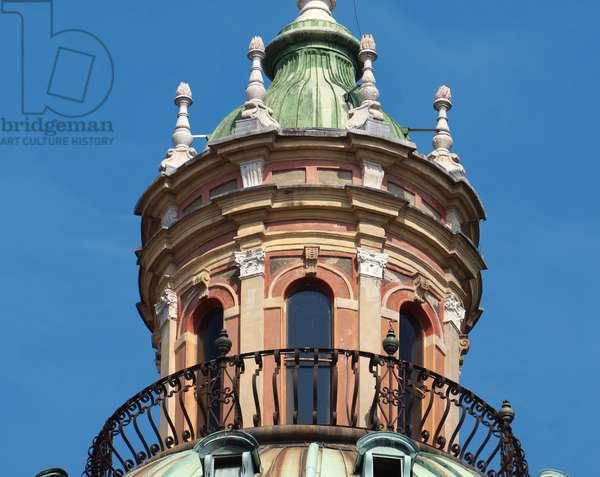 The lantern of the dome of the church of San Pietro, Reggio Emilia, Emilia-Romagna, Italy (photo)