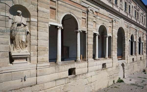 Great cloister of St. Peter, Reggio Emilia, Emilia-Romagna, Italy (photo)