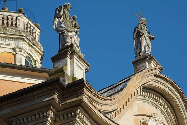 Top of the facade of the Church of Christ, Reggio Emilia, Emilia-Romagna, Italy (photo)