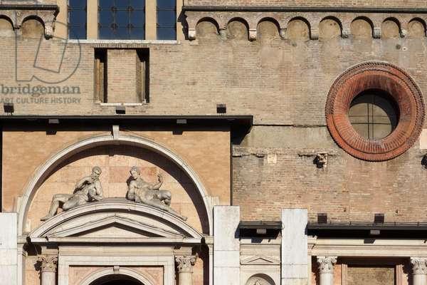Detail of the facade of the Cathedral, Reggio Emilia, Emilia-Romagna, Italy (photo)