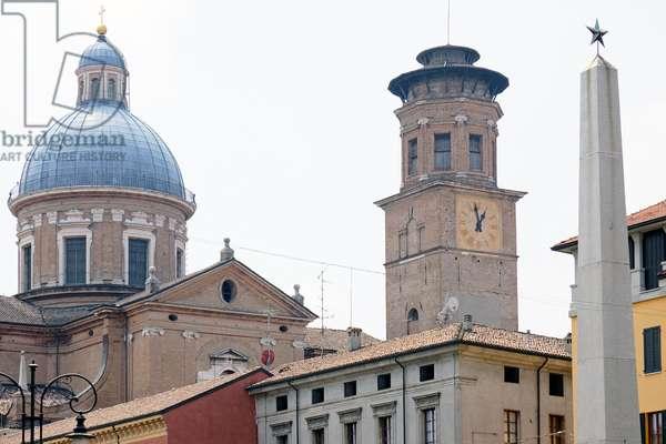 Dome and bell tower of the Madonna della Ghiara and obelisk of Piazza Gioberti, Reggio Emilia, Emilia-Romagna, Italy (photo)