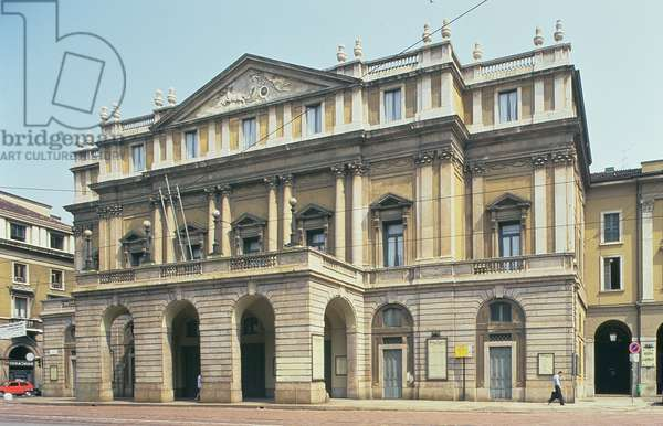 View of the facade, designed by Giuseppe Piermarini (1734-1808) 1776-8 (photo)