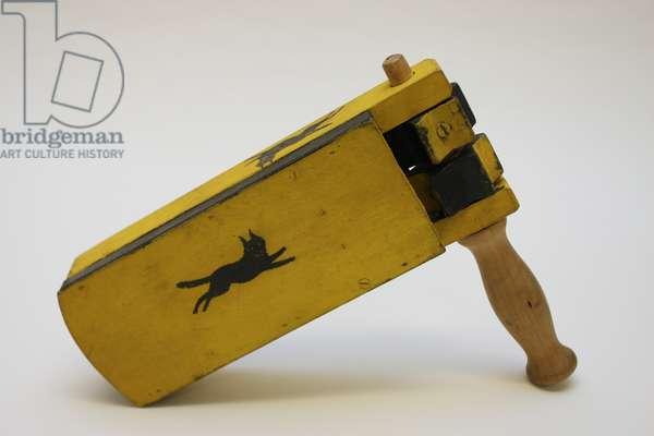 Football rattle (wood)