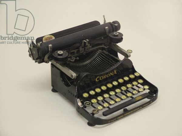 Corona portable typewriter, c.1917