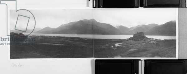 Pethe Jong, Tibet, 1903-04 (platinum print)