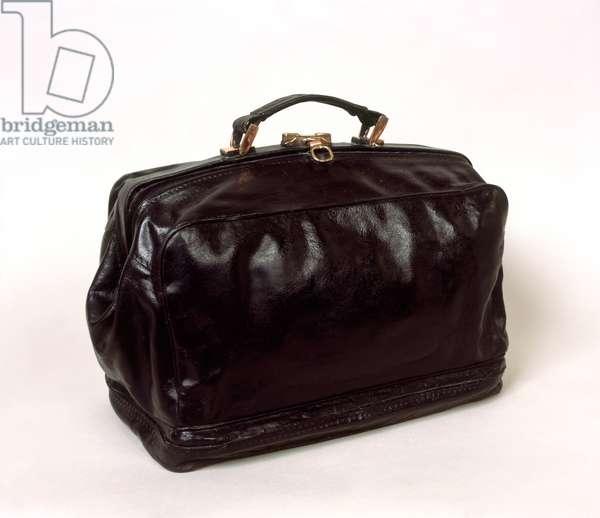 Overnight Bag, 2010 (Bronze with black patina polished bronze)