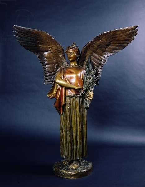 Victory in a Peplos (bronze)