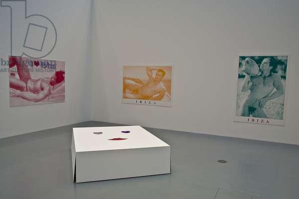 Französisches Bett/ French Bed, 2009, (mixed media), Postkarten/Postcards (Ibiza), 2007 (silkscreen)