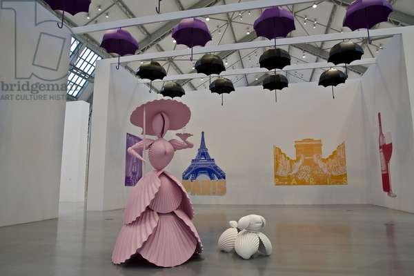Frau mit Hund (Woman with Dog)/ Schirme (Umbrellas)/ Postkarten, Paris (Postcards), 2004 (mixed media)