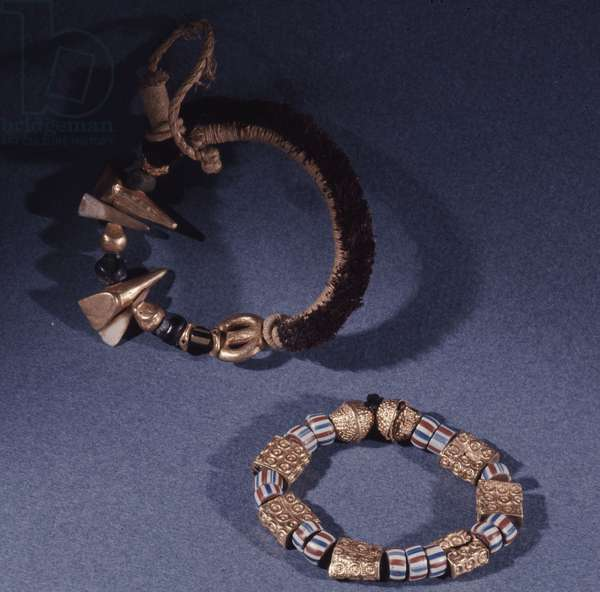 Jewellery worn as insignia by senior officials of the court of the Ashanti kings