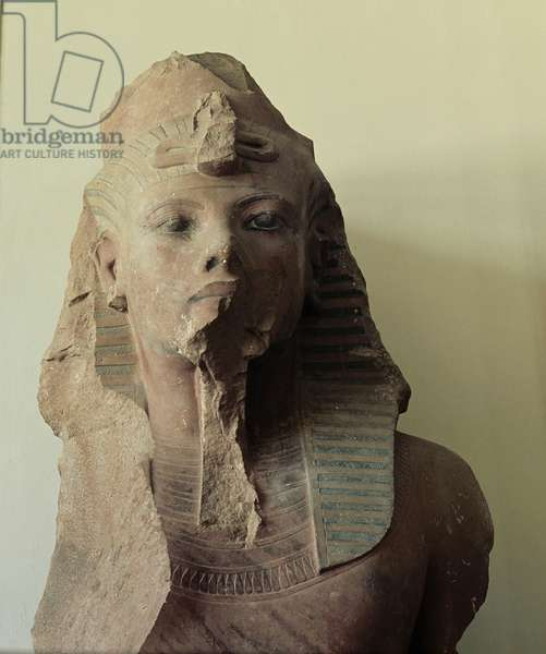 Fragmented colossal statue of Tutankhamun, wearing the double crown