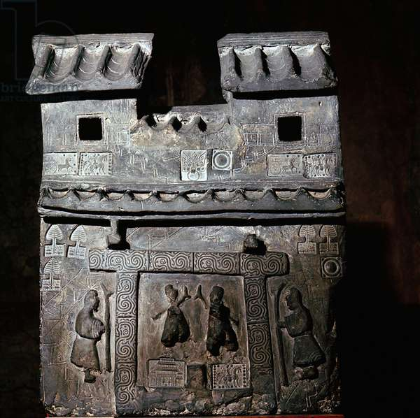 Tomb object representing a palace gate