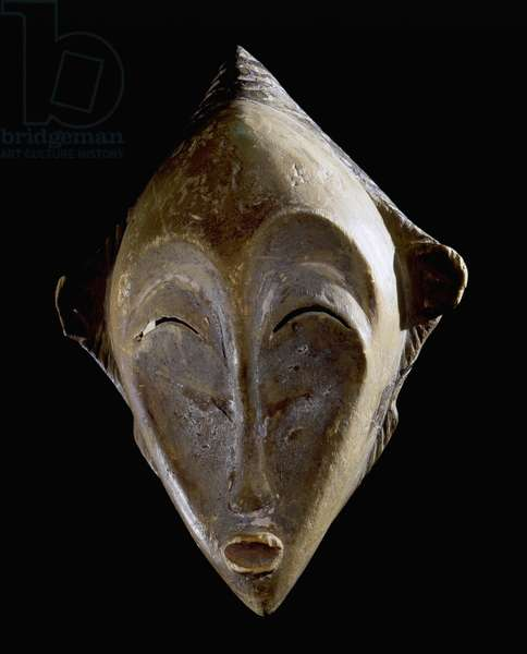 Mask worn by stilt dancers at funeral ceremonies of the Punu and Ashira peoples
