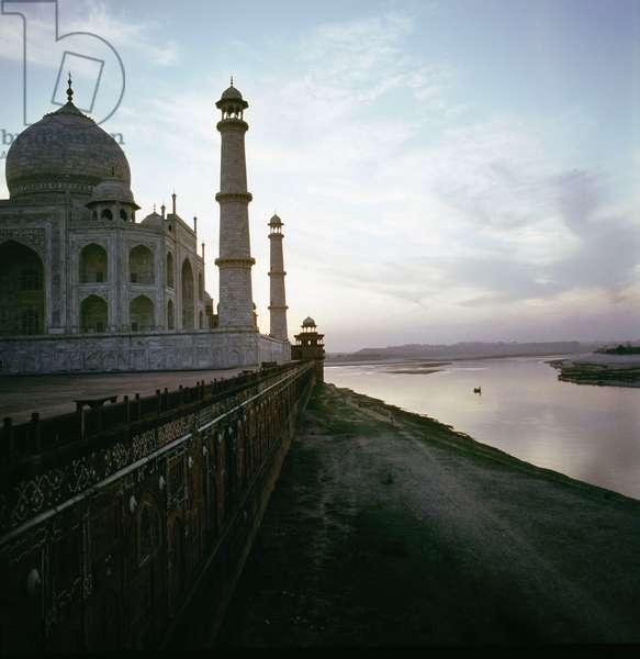 The Taj Mahal and the river terraces