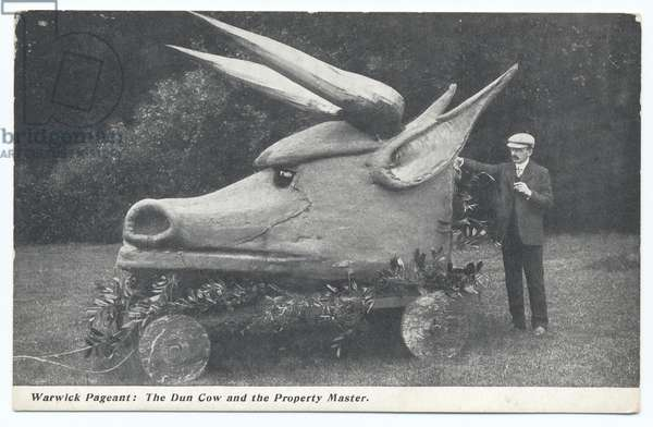 Warwick Pageant: The Dun Cow and the property master, 1906 (b/w photo)