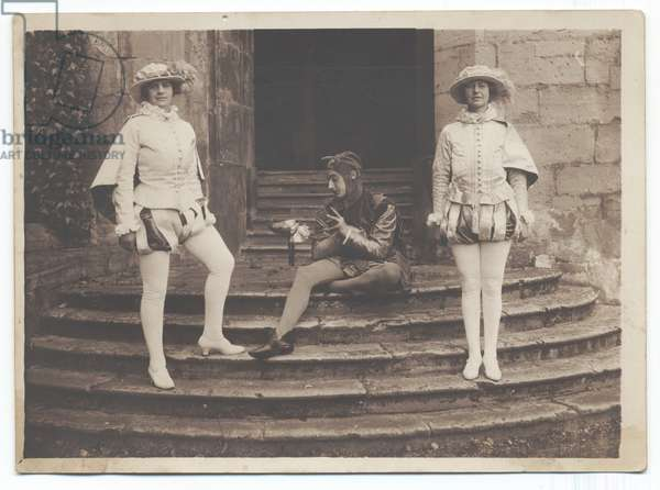Warwick Pageant: Pages and Fool, 1906 (b/w photo)