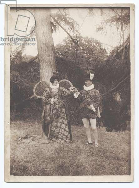 Warwick Pageant: Elizabeth and Essex, 1906 (b/w photo)