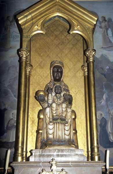 Copy of the Black Virgin of Montserrat (photo)