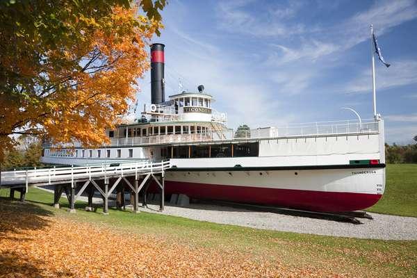 The paddle steamer Tigonderoga at The Shelburne Museum, Vermont, USA (photo)
