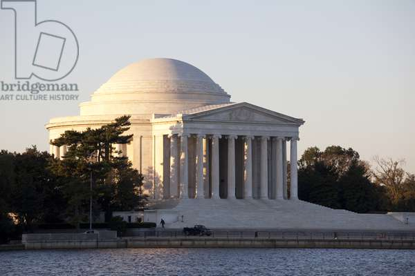 The Jefferson Memorial across Tidal Basin (photo)