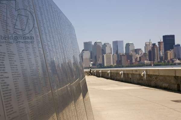 Ellis Island (photo)