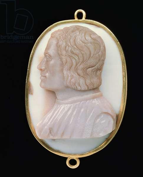 Bust of Lorenzo de' Medici, by Domenico de' Cameos, or Giovanni delle Corniole (agate & onyx)