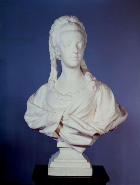 Marie-Antoinette (1755-93), portrait bust by Jean Baptiste Lemoyne (1704-78), 1771 (marble)