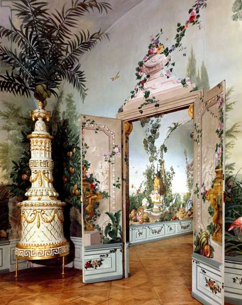 The Bergl Apartments: trompe l'oeil decoration painted by Johann Bergl, 18th century (see also 68950) (photo)