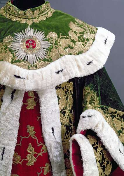 Official robes of the Hungarian Order of St. Stephen, of red and green ermine-edged velvet with gold oak-leaf design embroidery, 1764 (detail of 67278)