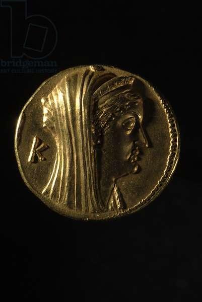 Greek Oktadrachm of Arsinoe II, 240 BC, reverse view (gold)