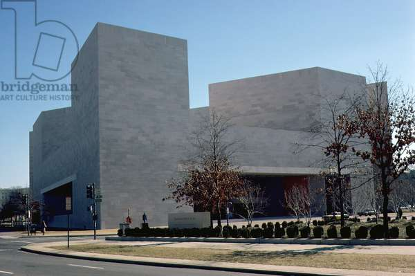 East Building of the National Gallery of Art, completed 1978 (photo)