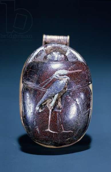 Scarab with Heron, from Tomb of Tutankhamun , New Kingdom (gold & cornelian)