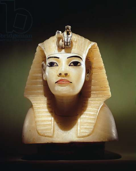 Stopper from one of the canopic urns, from the Tomb of Tutankhamun, New Kingdom (alabaster) (see also 149422)