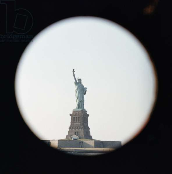 Statue of Liberty, 1886 (photo)