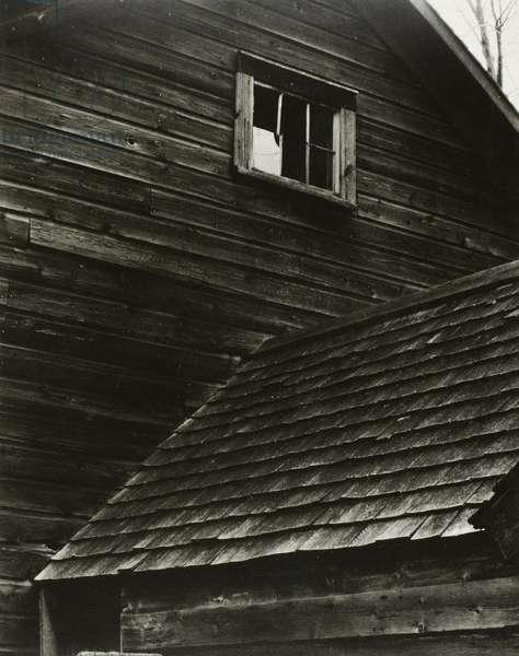 Barn, Lake George, 1922 (gelatin silver print)