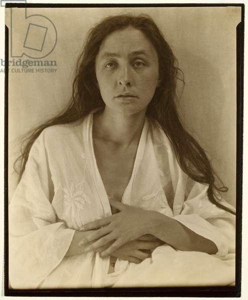 Georgia O'Keeffe, 1918 (palladium print)