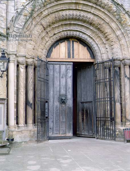 View of the North Door of Durham Cathedral (photo)