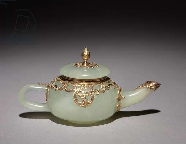 Miniature Teapot, c.1896 (jade & gold)
