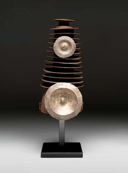 Chief's hat (botolo), Early 20th century (plant fiber and brass discs)