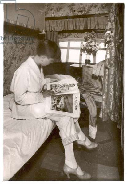 Picture No. 99: View of a passegner cabin on the LZ 127 Graf Zeppelin , from 'Zeppelin-Weltfahrten...', 1933 (silver bromide print)