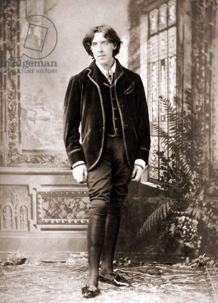 Oscar Wilde (1854 - 1900) around 1882 by Napoleon Sarony (1821 - 1896).