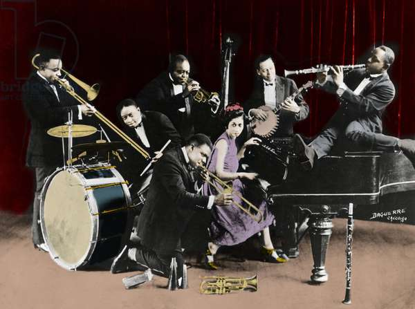 Trumpeter Louis Armstrong with the King Oliver's Creole Jazzband in Chicago in 1923 with Baby Dodds, Honore Dutry, King Oliver, Bill Johnson, Johny Dodds (clarinet) and Lil Hardin Armstrong (Lillian Harding Armstrong, wife of Louis Armstrong)