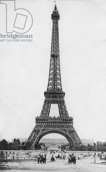 The Eiffel Tower (1887-89) 1900 , architect Gustave Eiffel (1832-1923) (b/w photo).